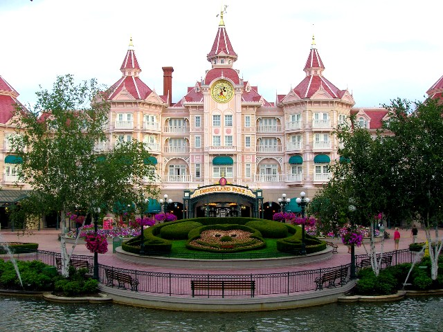 Dedicated to dlp celebrating disneyland paris 2010 dis for Hotels eurodisney