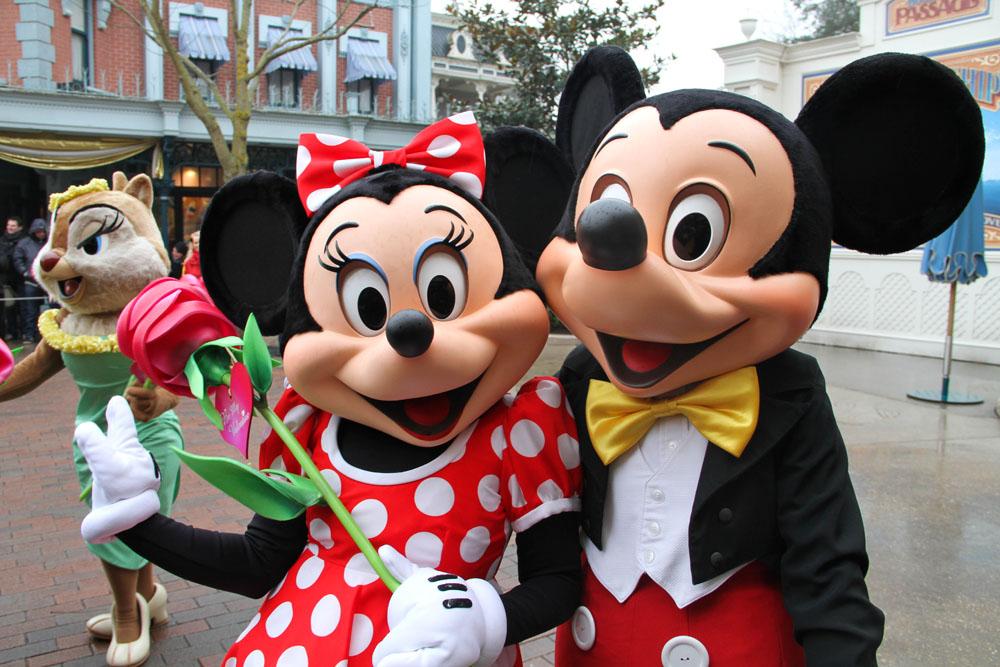 and minnie disneyland Mickey