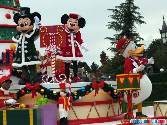 Mickey, Minnie & Donald in the Christmas Cavalcade in Disneyland Paris