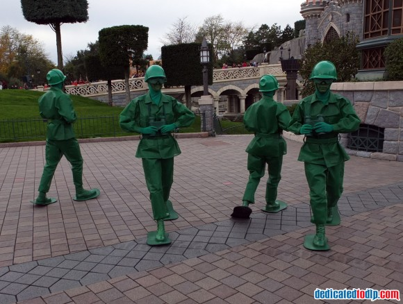 Toy Story Soldiers in the Christmas Cavalcade in Disneyland Paris