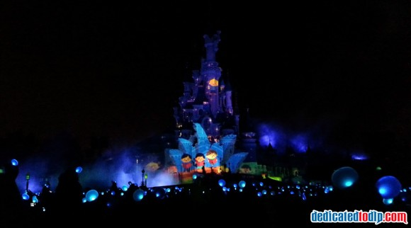 it's a small world in Disney Dreams! of Christmas in Disneyland Paris