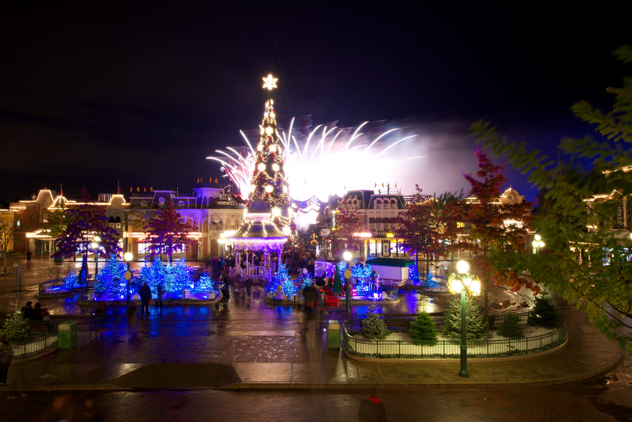 Christmas 2012 In Disneyland Paris. Photo By Kris Van De Sande