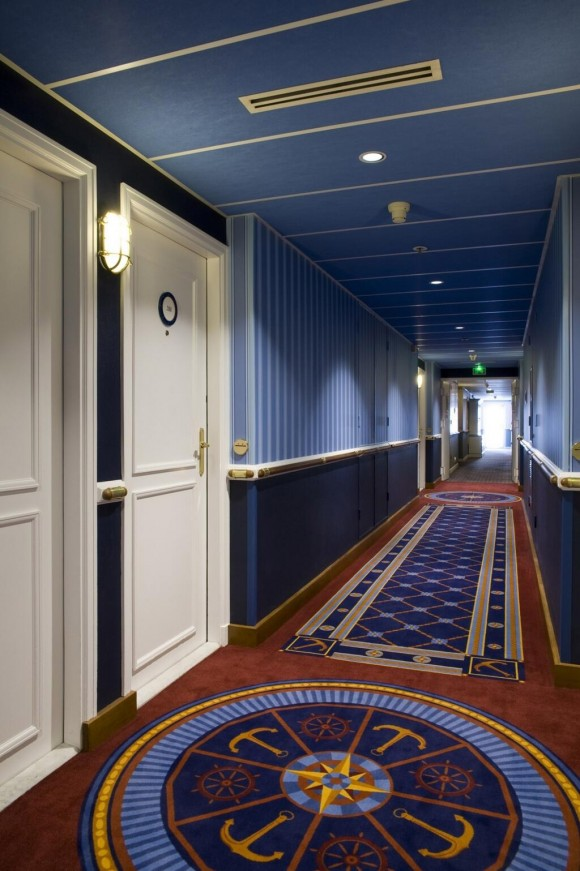 Disneyland Paris Photo Friday: Newport Bay Club Renovations - Corridor