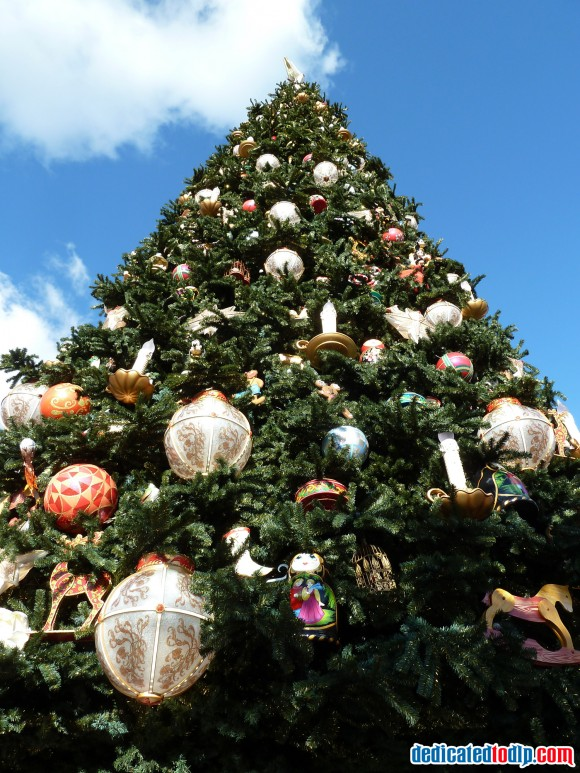 New Christmas Tree in Disneyland Paris For 2013