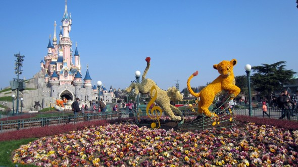 Disneyland Paris Photos: Swing into Spring