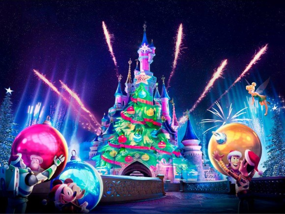 Disneyland Paris Disney's Enchanted Christmas 2014