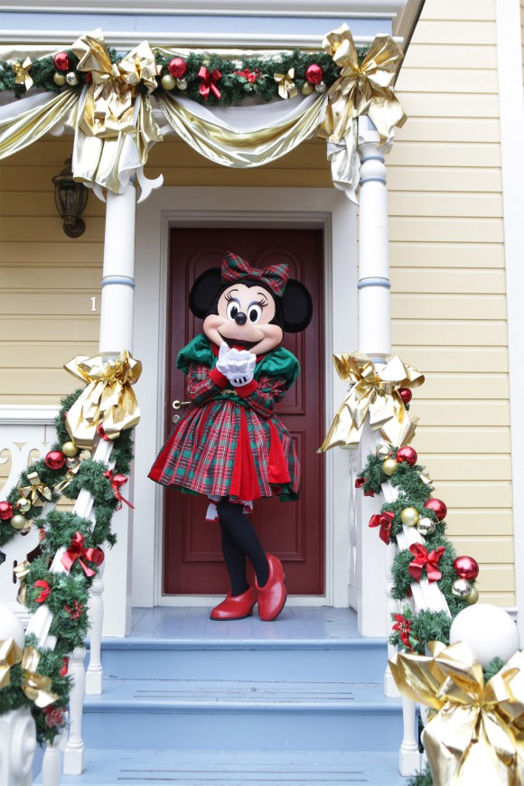 Minnie Mouse at Christmas in Disneyland Paris