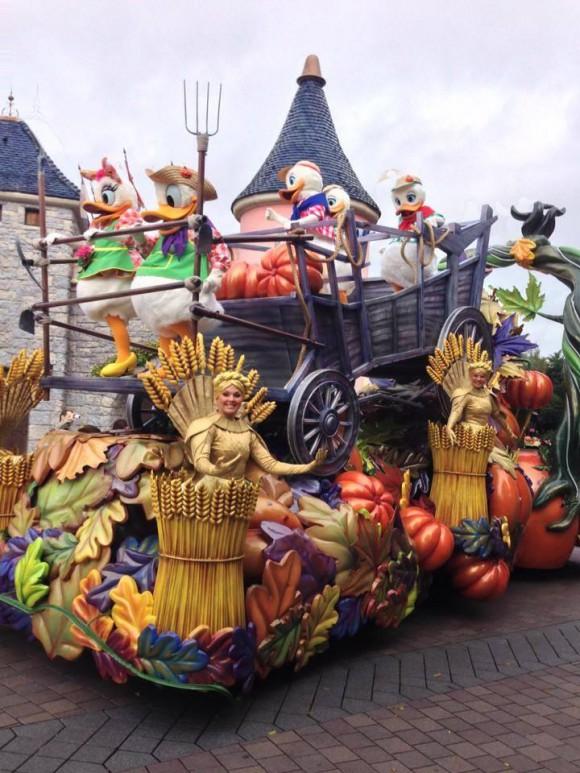 Mickey's Halloween Celebration Parade 2013 in Disneyland Paris