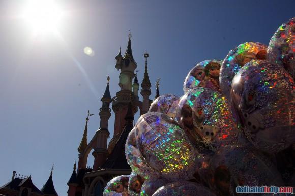 Disneyland Paris Frozen Summer Fun Season Review - Frozen Balloons