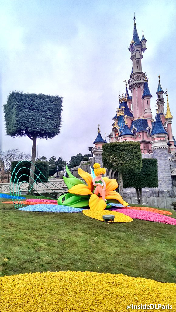 Disneyland Paris Spring 2016 decorations - Tinkerbell topiary