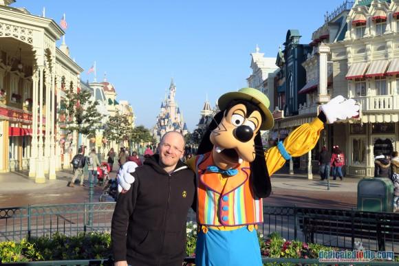 Meeting Goofy in Disneyland Paris