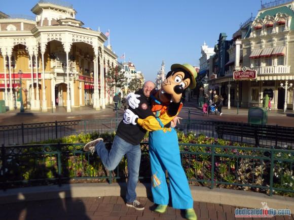 Fun with Goofy in Disneyland Paris