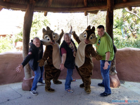 Posing with Chip and Dale in Disneyland Paris