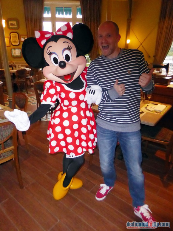 Disneyland Paris Restaurant Review: Inventions - Minnie Mouse