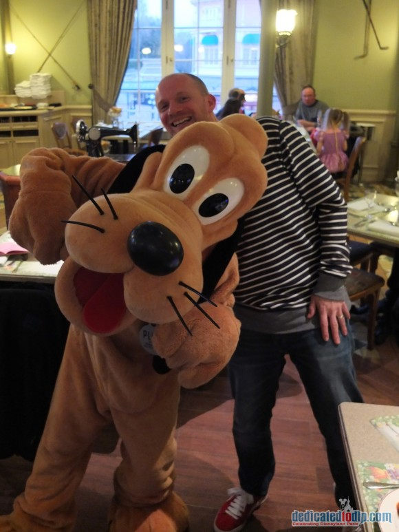Disneyland Paris Restaurant Review: Inventions - Pluto
