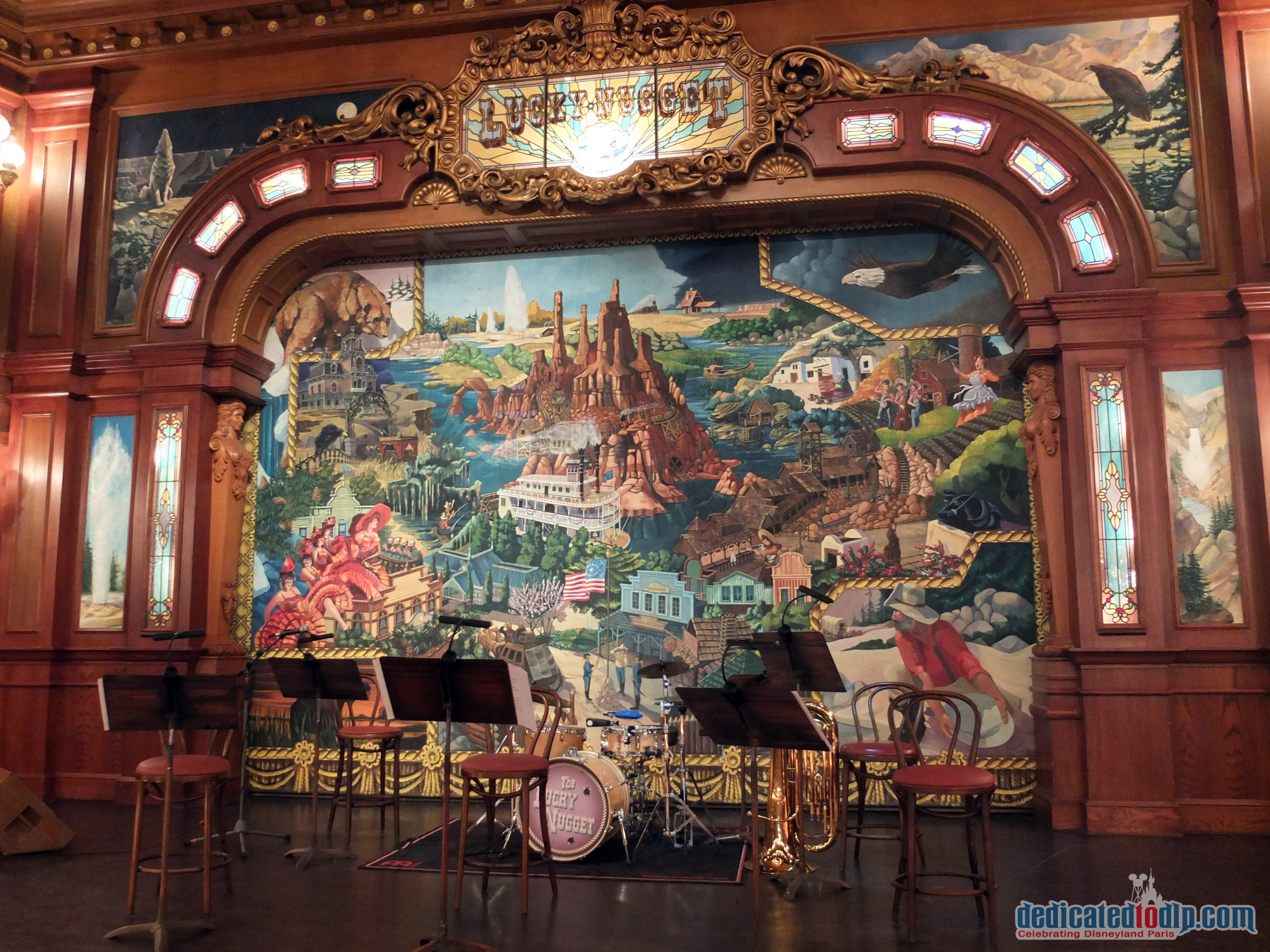 Dedicated to dlp celebrating disneyland paris for Disneyland mural