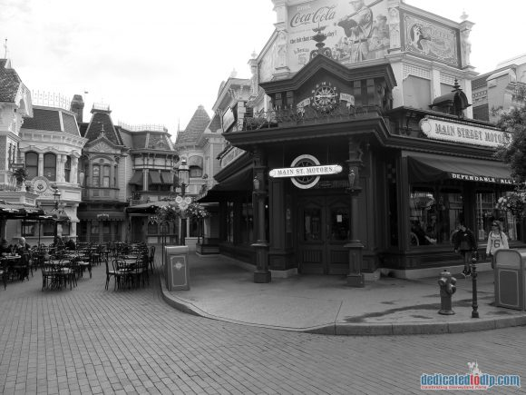 Disneyland Paris Photo Friday: Main Street, U.S.A in Black and White