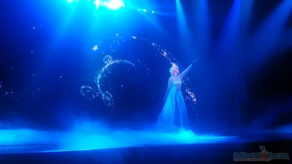 Magician in Disneyland Paris - Frozen