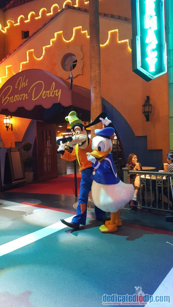 Disneyland Paris runDisney Diary Day 2 – Inaugural Party with Donald & Goofy