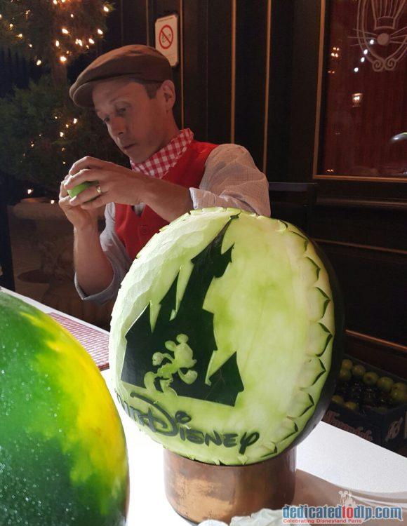 Disneyland Paris runDisney Diary Day 2 – Inaugural Party with Apple Sculpting