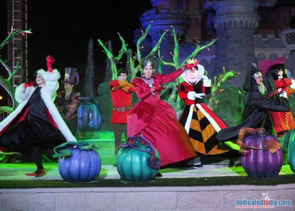 Disneyland Paris Halloween 2016: It's good to be bad with the Disney Villains
