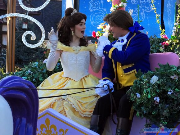 Disney Stars on Parade Float 7 - Discover Romance
