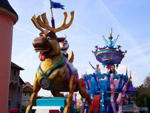 Disney Stars on Parade Float 8 - Discover Wonder