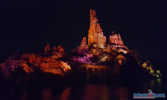 Big Thunder Mountain at Night in Disneyland Paris