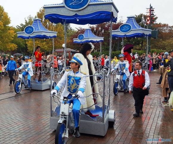 Disneyland Paris Review: Halloween Season 2017 - Mickey's Halloween Tricycle Gang