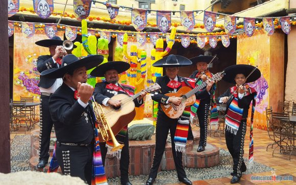 Disneyland Paris Review: Halloween Season 2017 - Mariachi Band