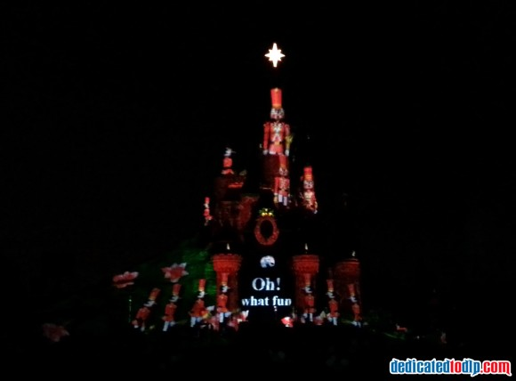 Sing-a-Long Jingle Bells in Disney Dreams! of Christmas in Disneyland Paris