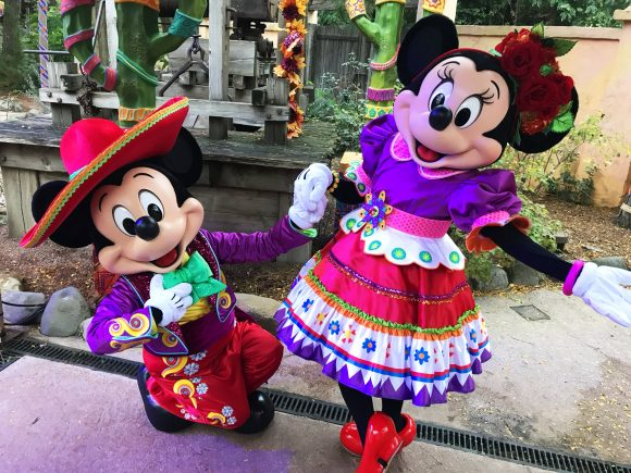 Disneyland Paris Review: Halloween Season 2017 - Characters