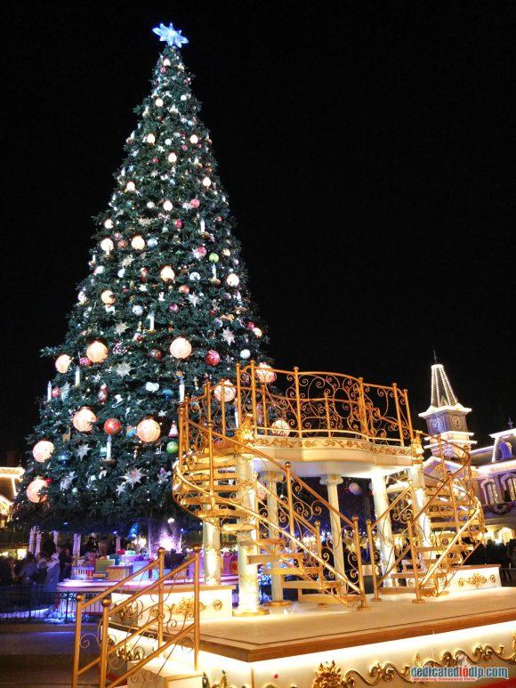 Mickey's Magical Christmas Light - Disney's Enchanted Christmas 2018 in Disneyland Paris